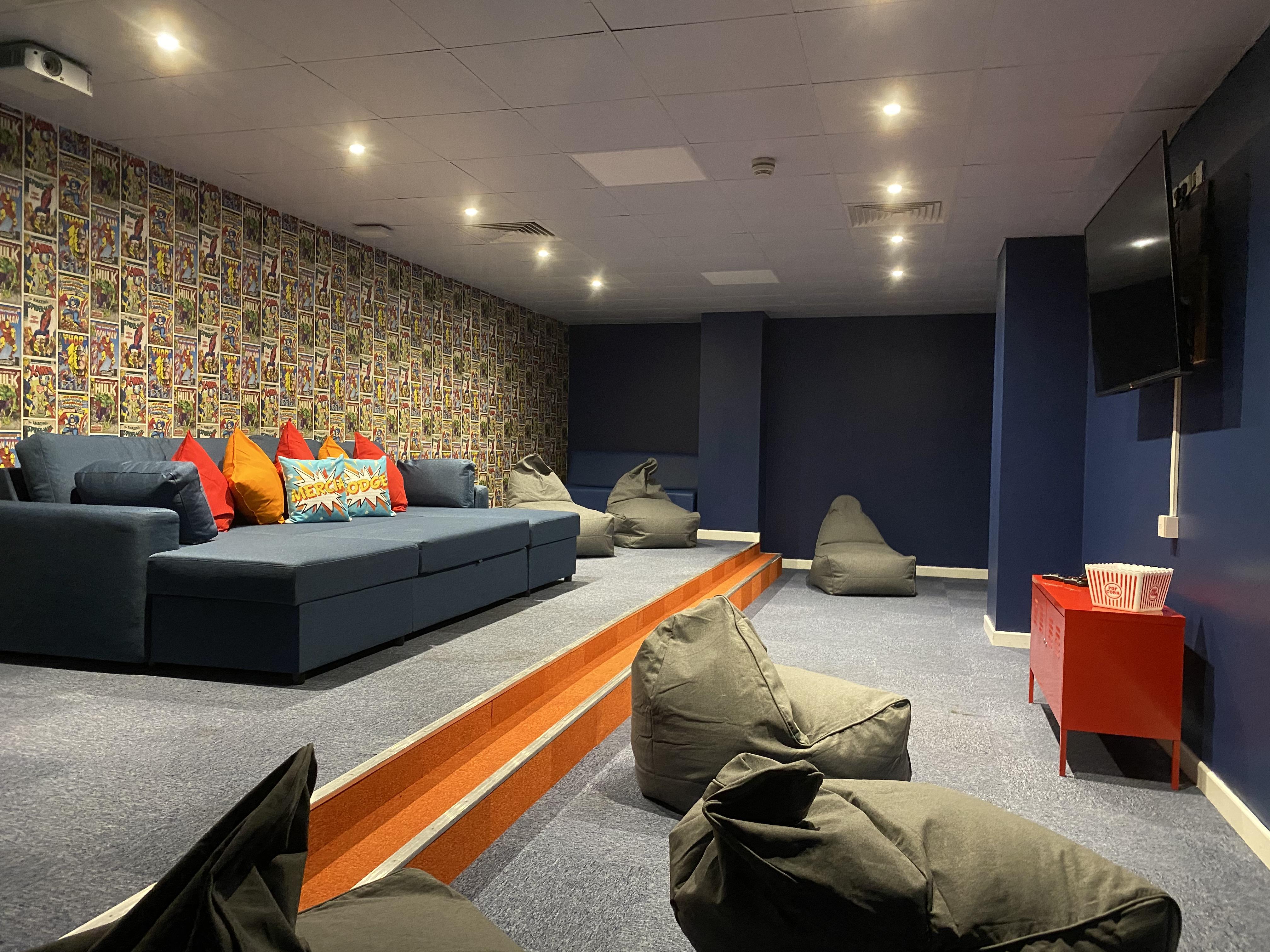 Mercia-Lodge-Coventry-Cinema-Room-Unilodgers