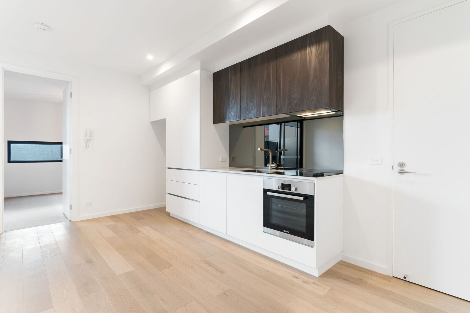 206-108-munster-terrace-north-melbourne-student-accommodation-Melbourne-Kitchen-Unilodgers