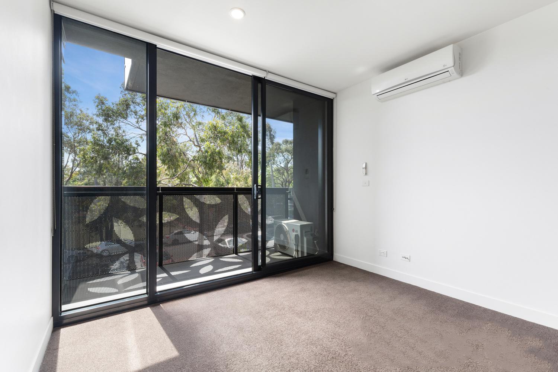 606-97-flemington-road-north-melbourne-student-accommodation-Melbourne-Bedroom-2-Unilodgers