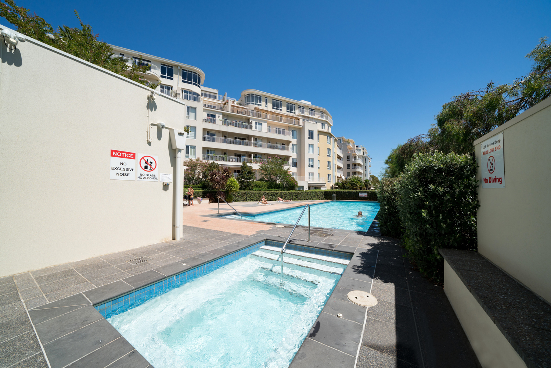30/6-Graham-Street-Port-Melbourne-Student-Accommodation-Melbourne-Swimming-Pool-Unilodgers