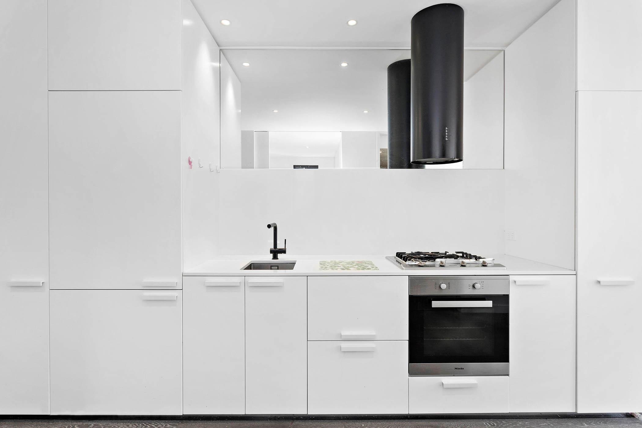 104/518-Swanston-Street,-Carlton-Student-Accommodation-Melbourne-Kitchen-Unilodgers