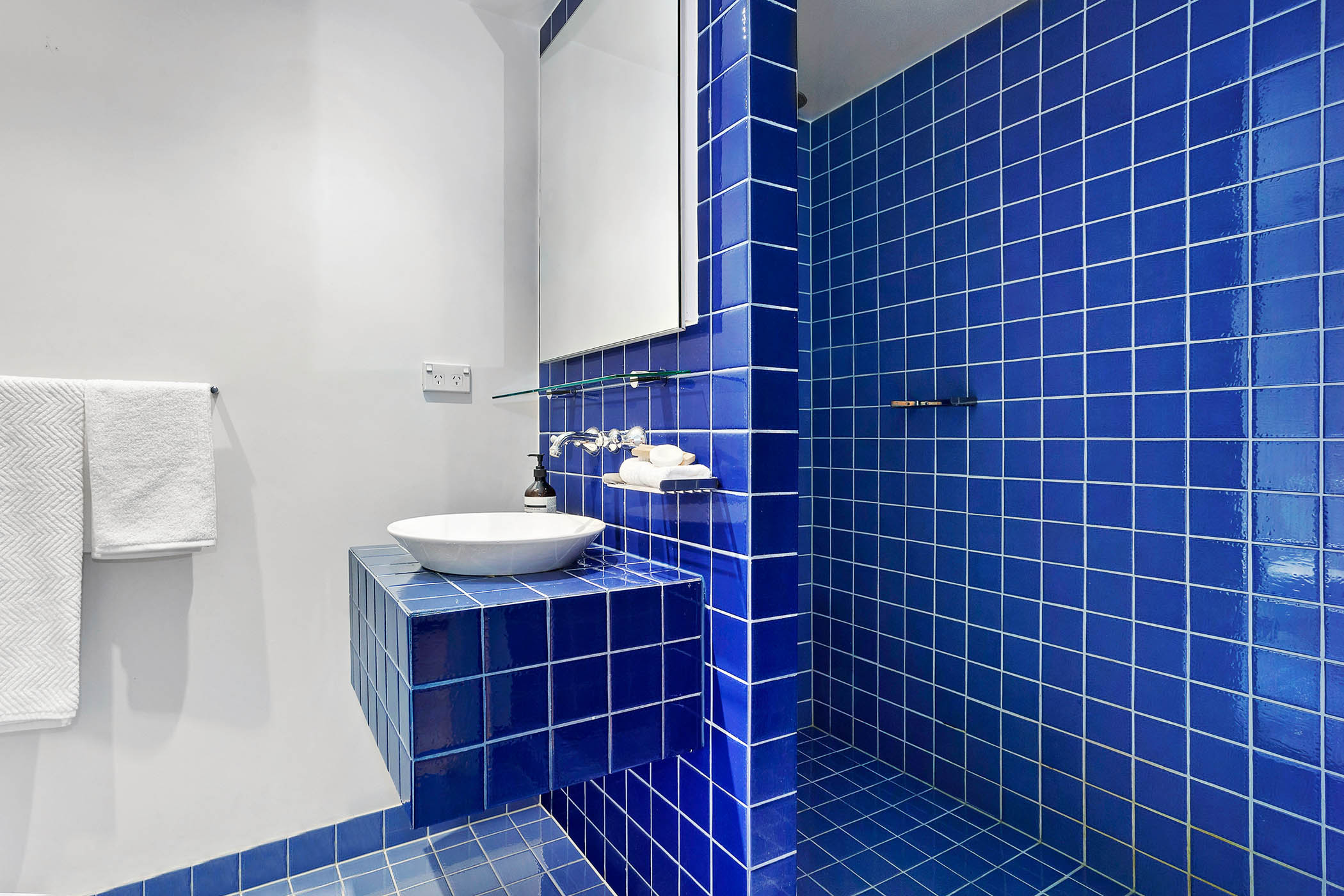 1804-31-spring-street-melbourne-student-accommodation-Melbourne-Bathroom-Unilodgers
