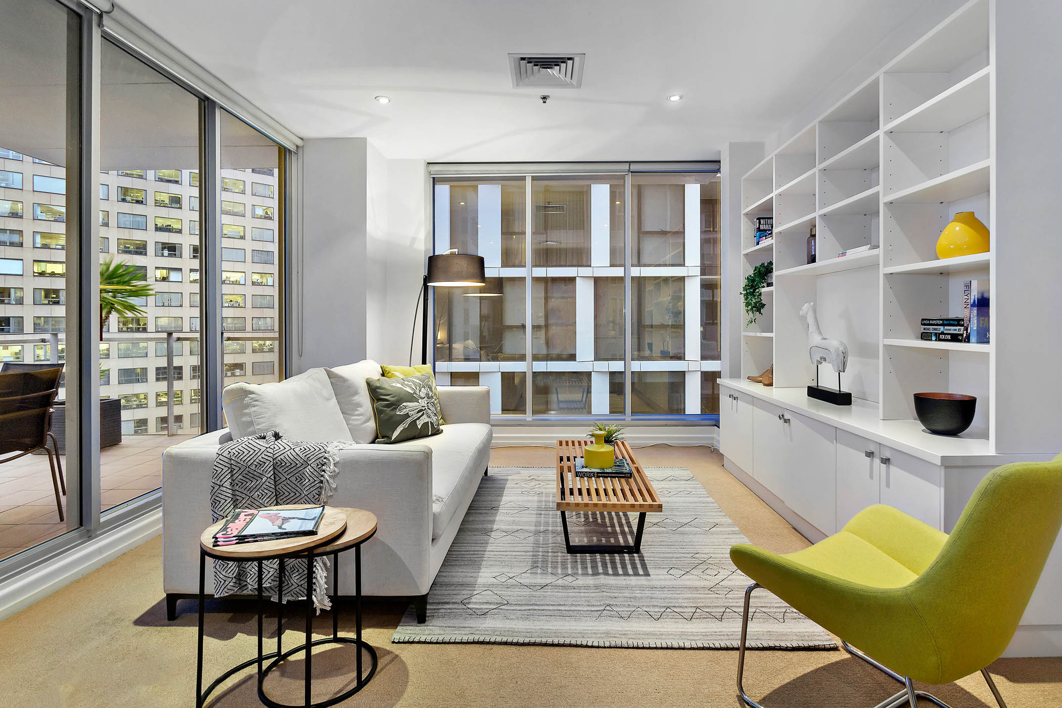 1804-31-spring-street-melbourne-student-accommodation-Melbourne-Living-Area-Unilodgers
