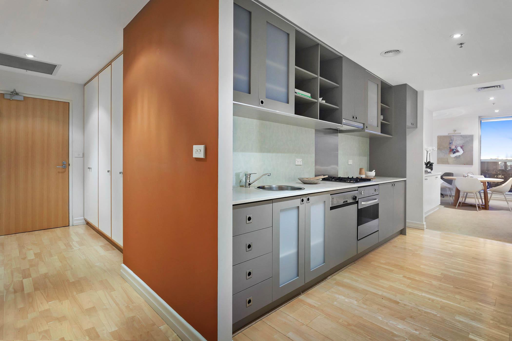 1804-31-spring-street-melbourne-student-accommodation-Melbourne-Kitchen-Unilodgers