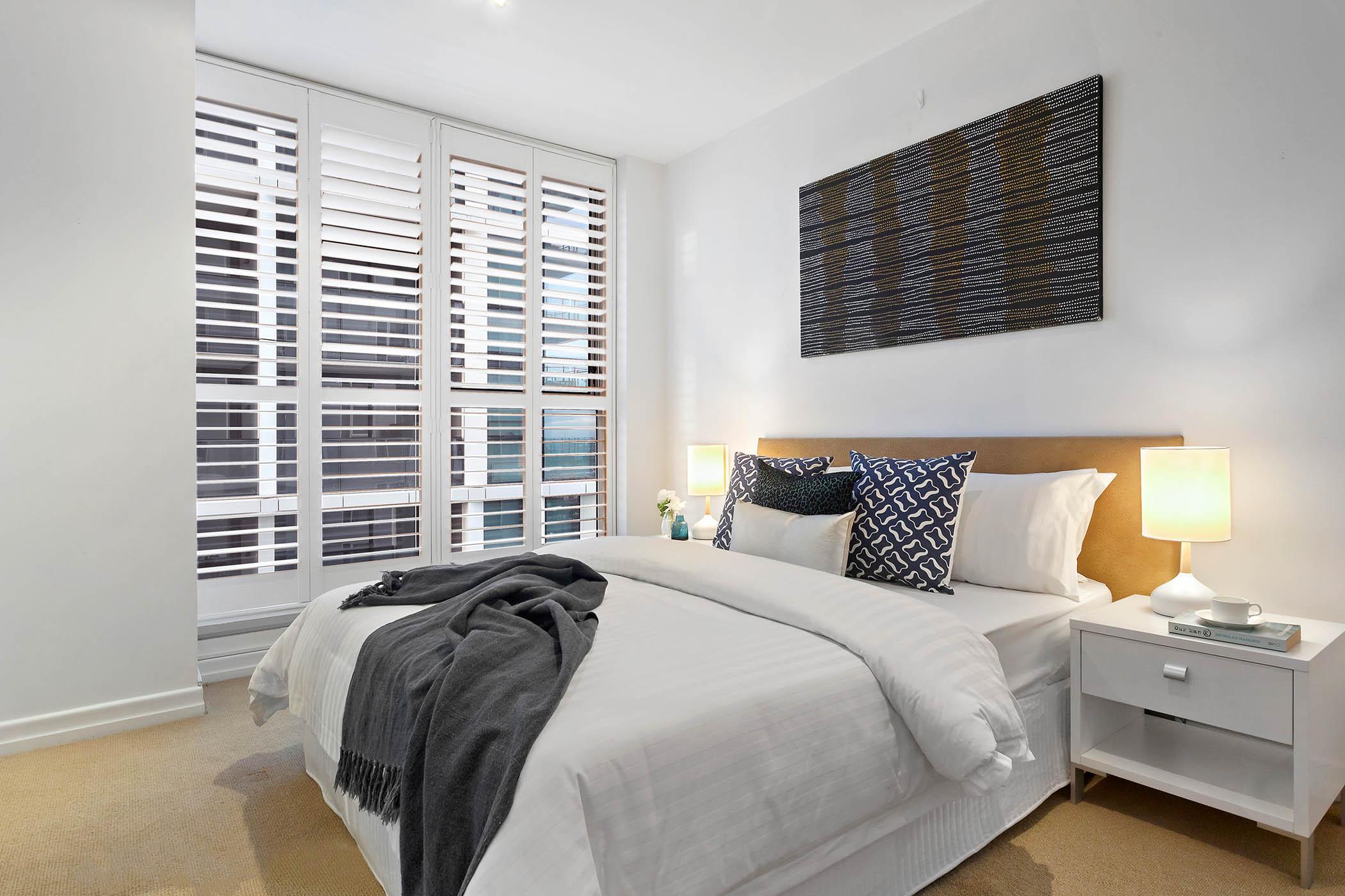 1804-31-spring-street-melbourne-student-accommodation-Melbourne-Bedroom-2-Unilodgers