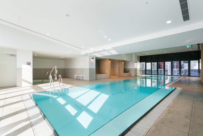 3609-500-elizabeth-street-melbourne-student-accommodation-Melbourne-Swimming-Pool-Unilodgers