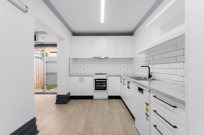 143-peel-street-north-melbourne-student-accommodation-Melbourne-Kitchen-Unilodgers