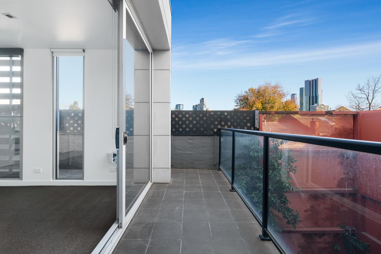 211-264-drummond-street-carlton-student-accommodation-Melbourne-Exterior-1-Unilodgers