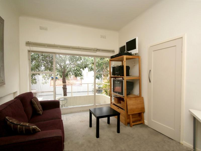 29-98-nicholson-street-fitzroy-student-accommodation-Melbourne-Living-Area-Unilodgers