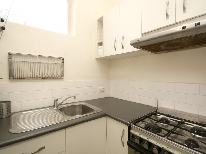 29-98-nicholson-street-fitzroy-student-accommodation-Melbourne-Kitchen-Unilodgers