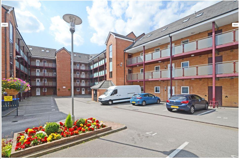 Hassells-Bridge-Apartments-New-castle-under-Lyme-UK-Parking-Area-Unilodgers