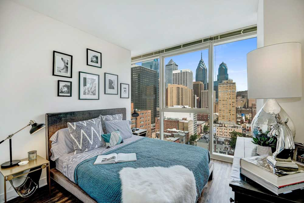 2116-Chestnut-Apartments-Philadelphia-PA-Bedroom-Unilodgers