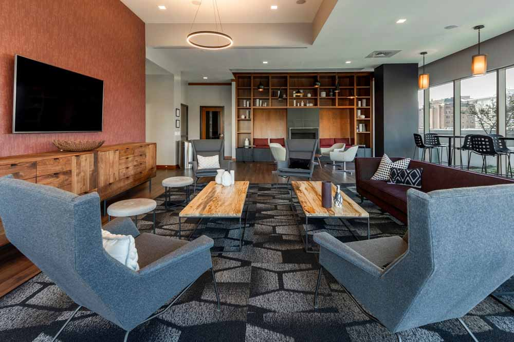 2116-Chestnut-Apartments-Philadelphia-PA-Common-Room-Unilodgers