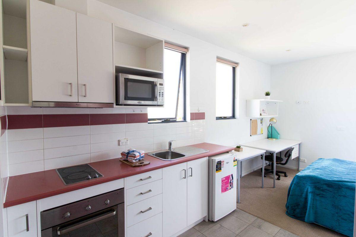 216BurwoodHighwayBurwood-Melbourn-Kitchen1-Unilodgers