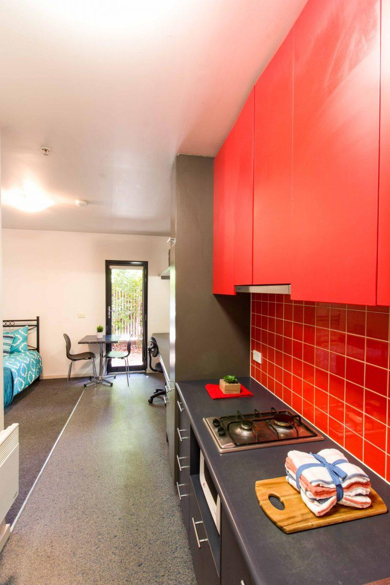 234WarrigalRoadCamberwell-Melbourne-Kitchen1-Unilodgers