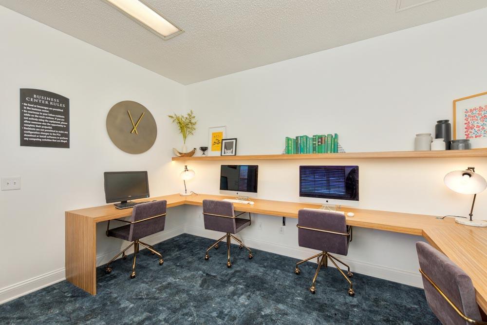 25-East-Lansing-MI-Computer-Lounge-Unilodgers