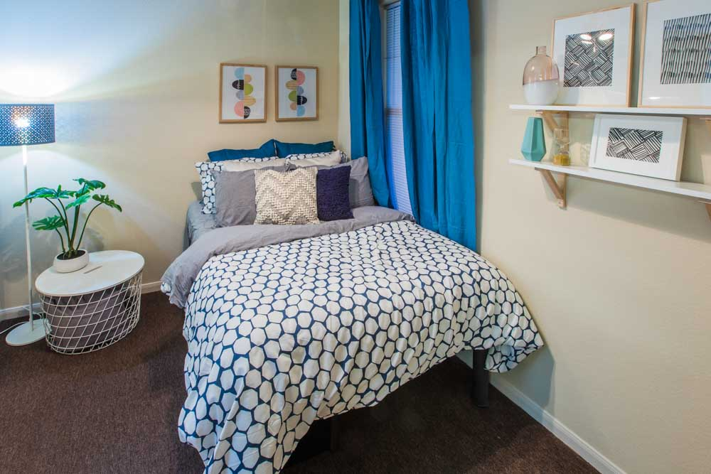 2818-Place-College-Station-TX-Bedroom-Unilodgers