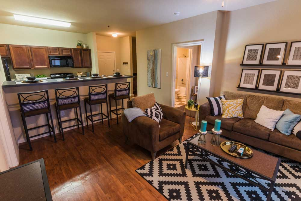 2818-Place-College-Station-TX-Kitchen-With-Breakfast-Bar-Unilodgers