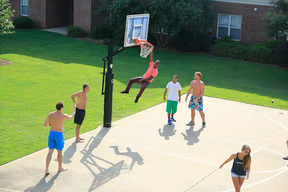 2909-Oliver-Wichita-KS-Basketball-Court-Unilodgers