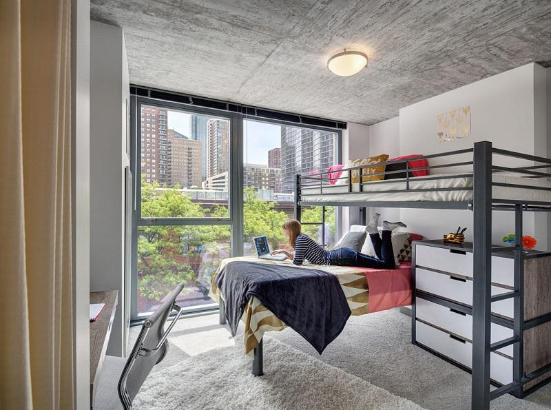 30-East-Apartments-Chicago-Shared-Bedroom-Unilodgers