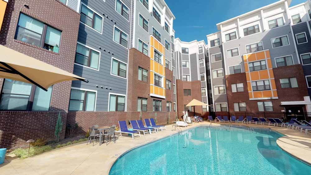 303-Flats-Knoxville-TN-Swimming-Pool-Unilodgers