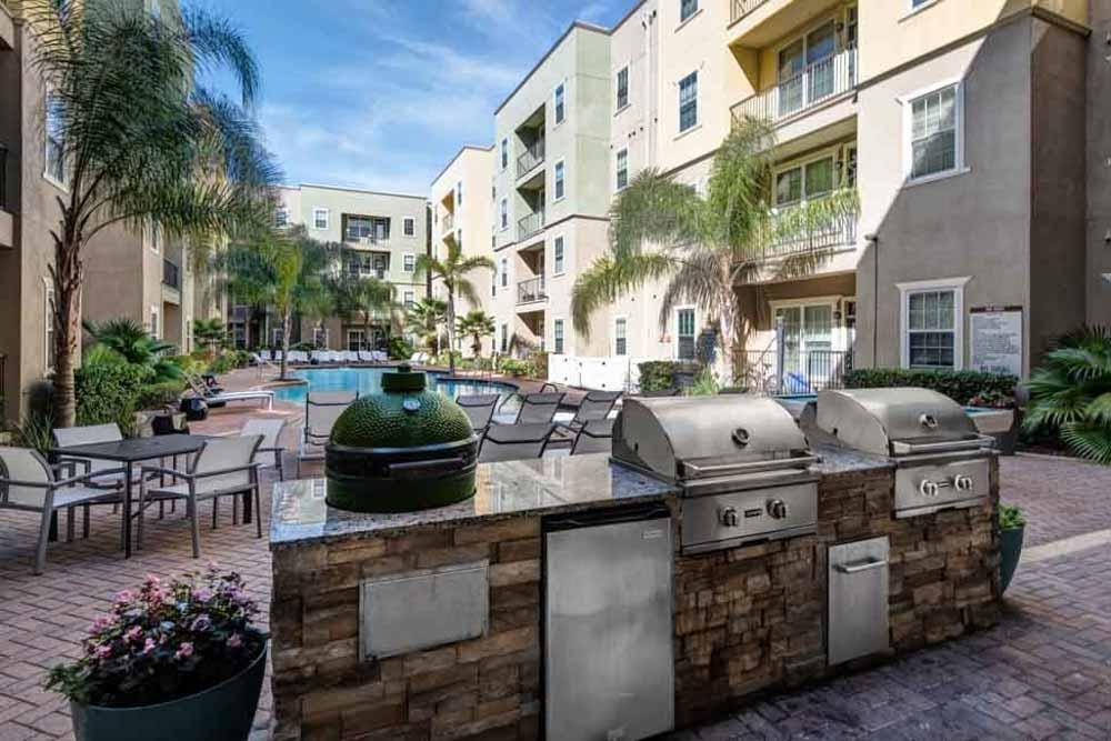4050-Lofts-Tampa-FL-BBQ-Area-Unilodgers