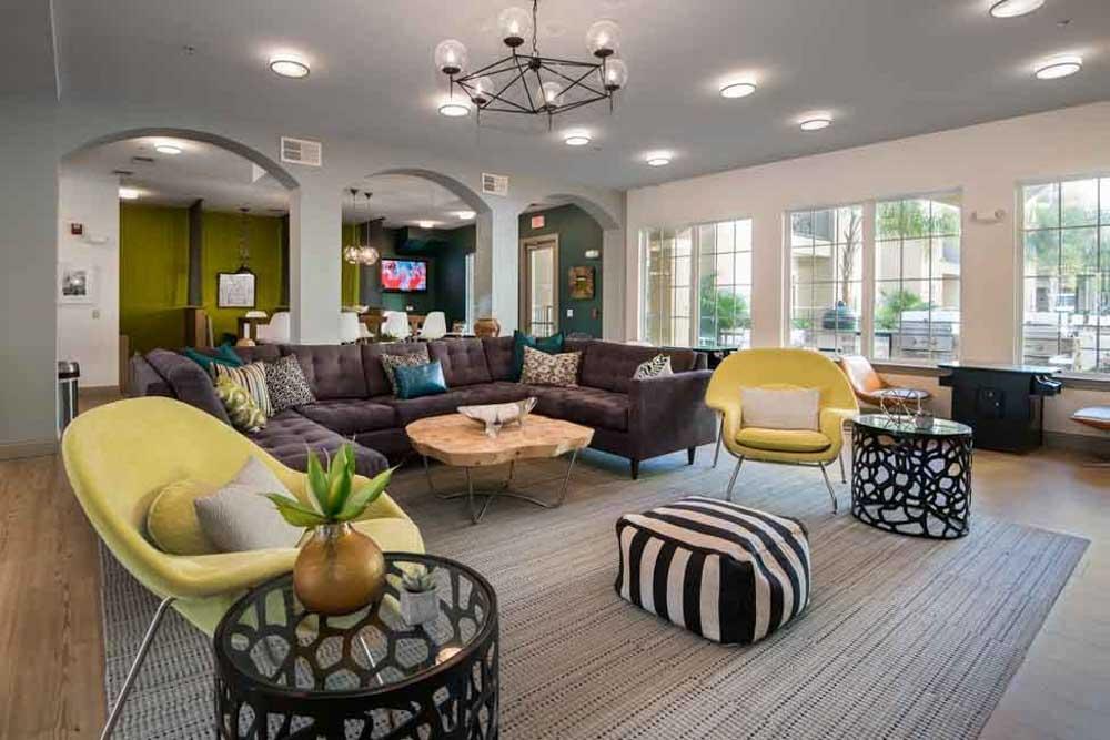 4050-Lofts-Tampa-FL-Common-Room-Unilodgers