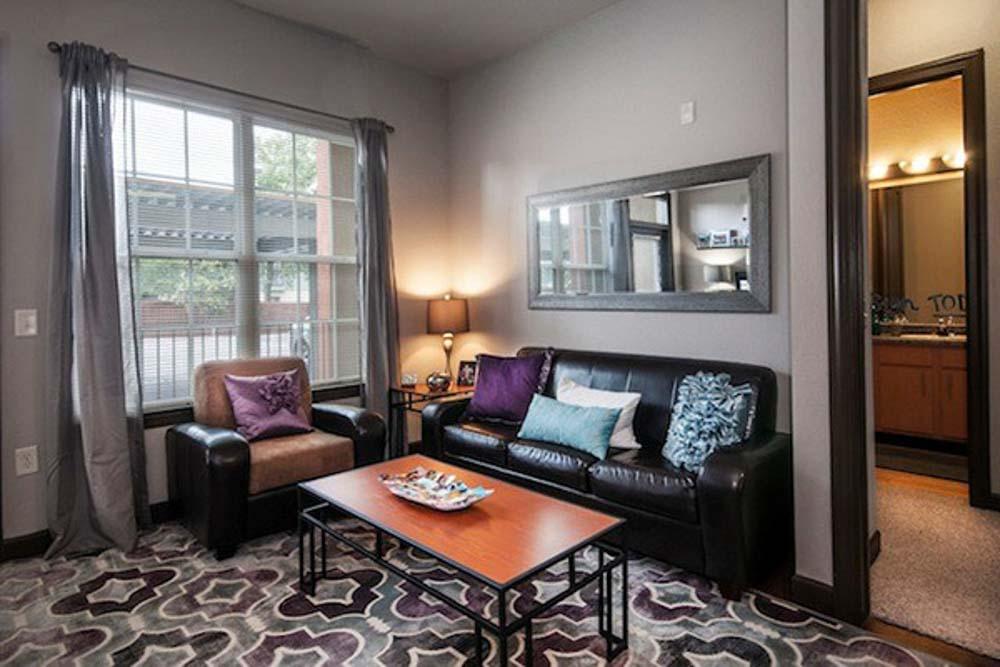 4050-Lofts-Tampa-FL-Living-Area-Unilodgers