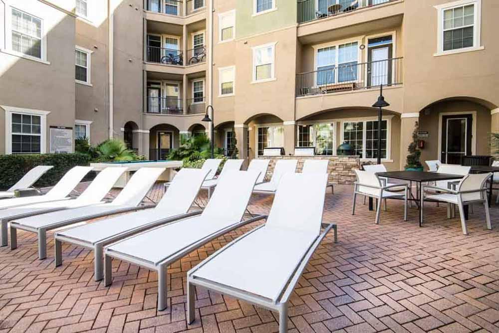4050-Lofts-Tampa-FL-Sun-Deck-Unilodgers