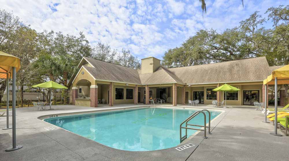 42-North-Tampa-FL-Swimming-Pool-Unilodgers