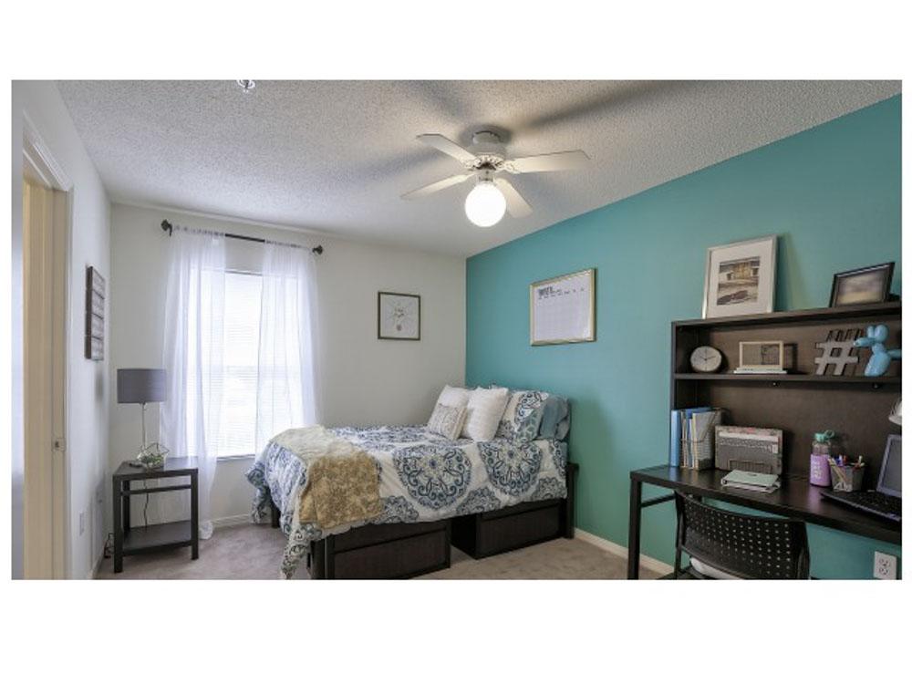 42 North-Tampa-FL-Bedroom-Unilodgers