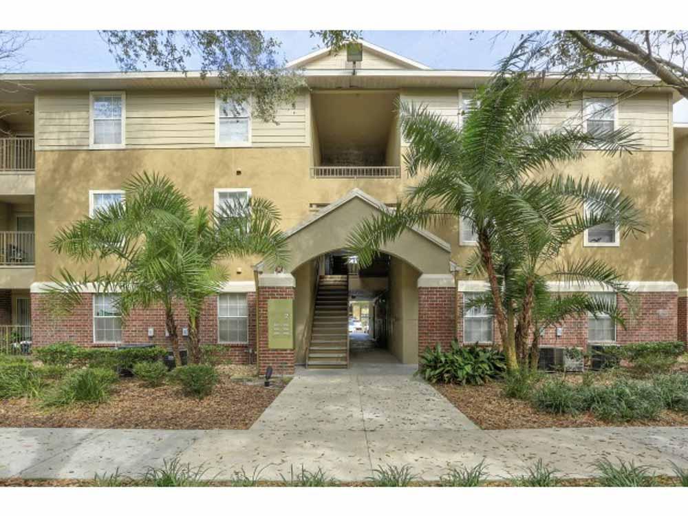 42 North-Tampa-FL-Building-Unilodgers