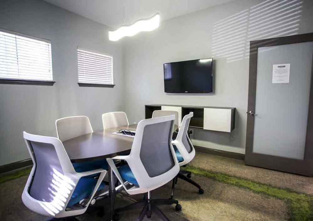 49-North-Charlotte-NC-Conference-Room-Unilodgers