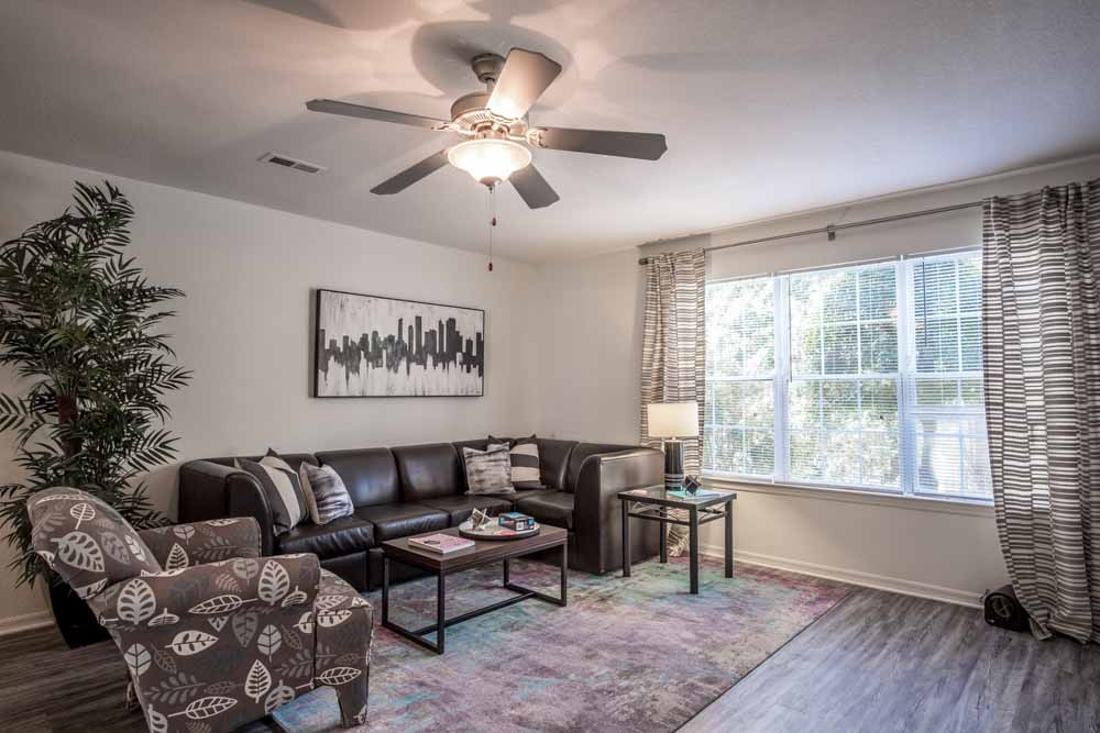 49-North-Charlotte-NC-Living-Area-Unilodgers