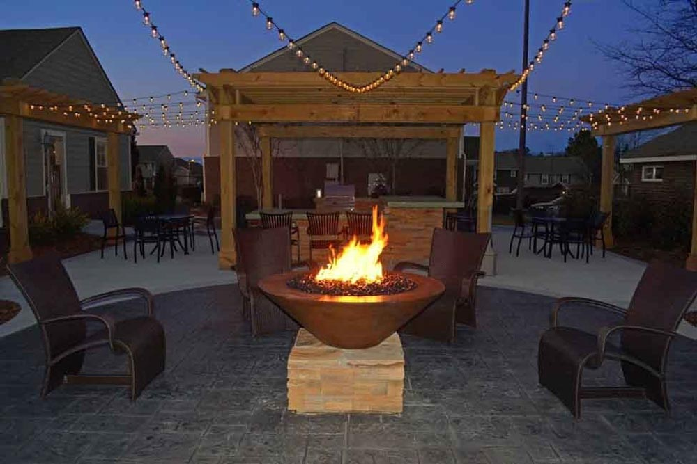 49-North-Charlotte-NC-Outdoor-Courtyard-With-Firepit-Unilodgers