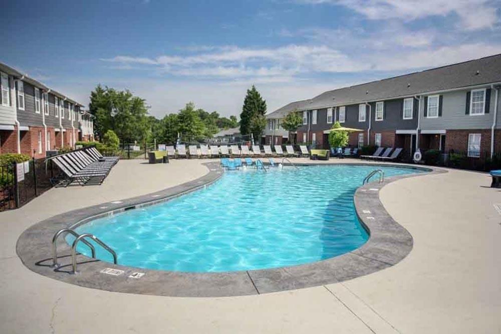 49-North-Charlotte-NC-Swimming-Pool-Unilodgers