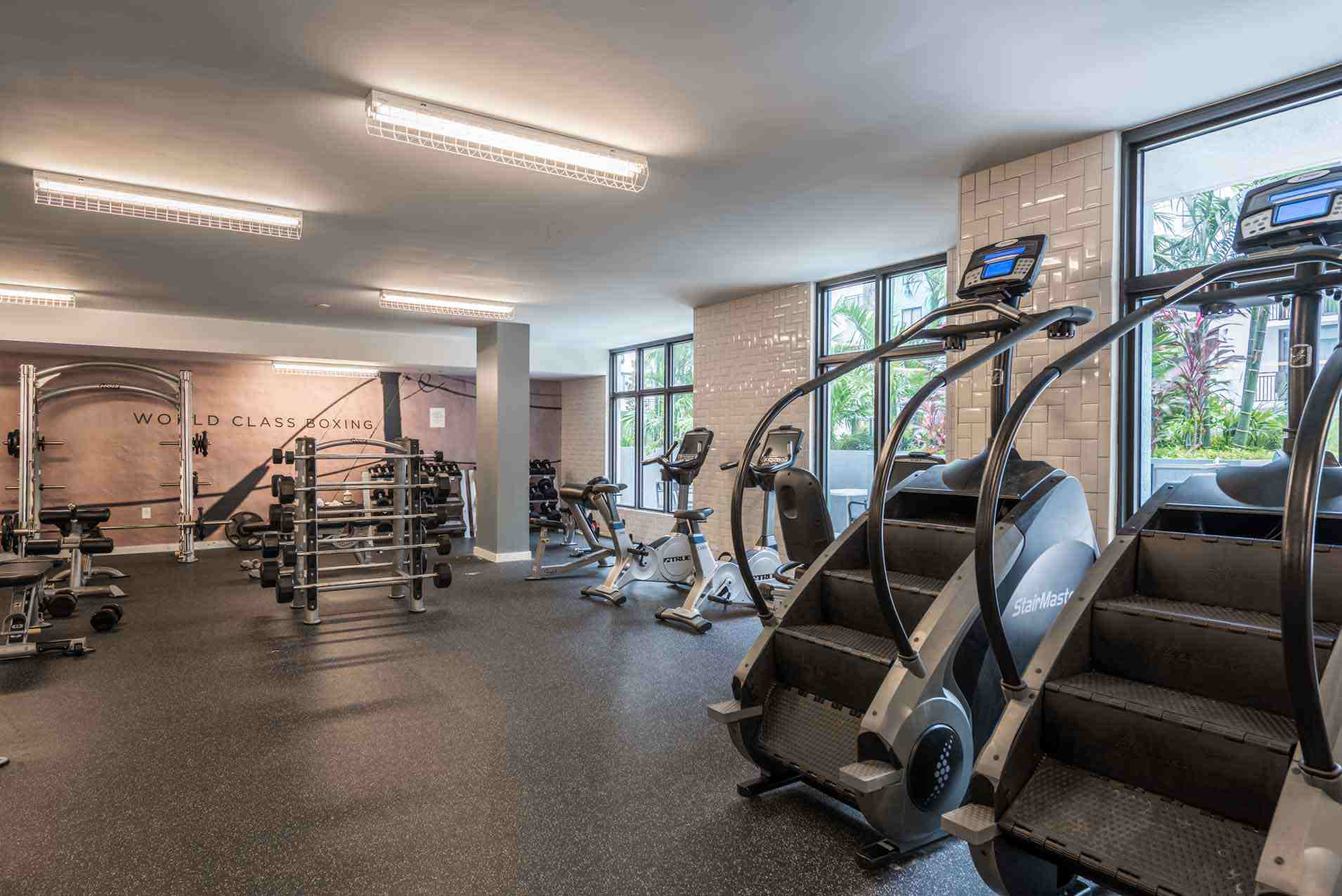 4th-Street-Commons-Miami-Fitness-Center-Unilodgers