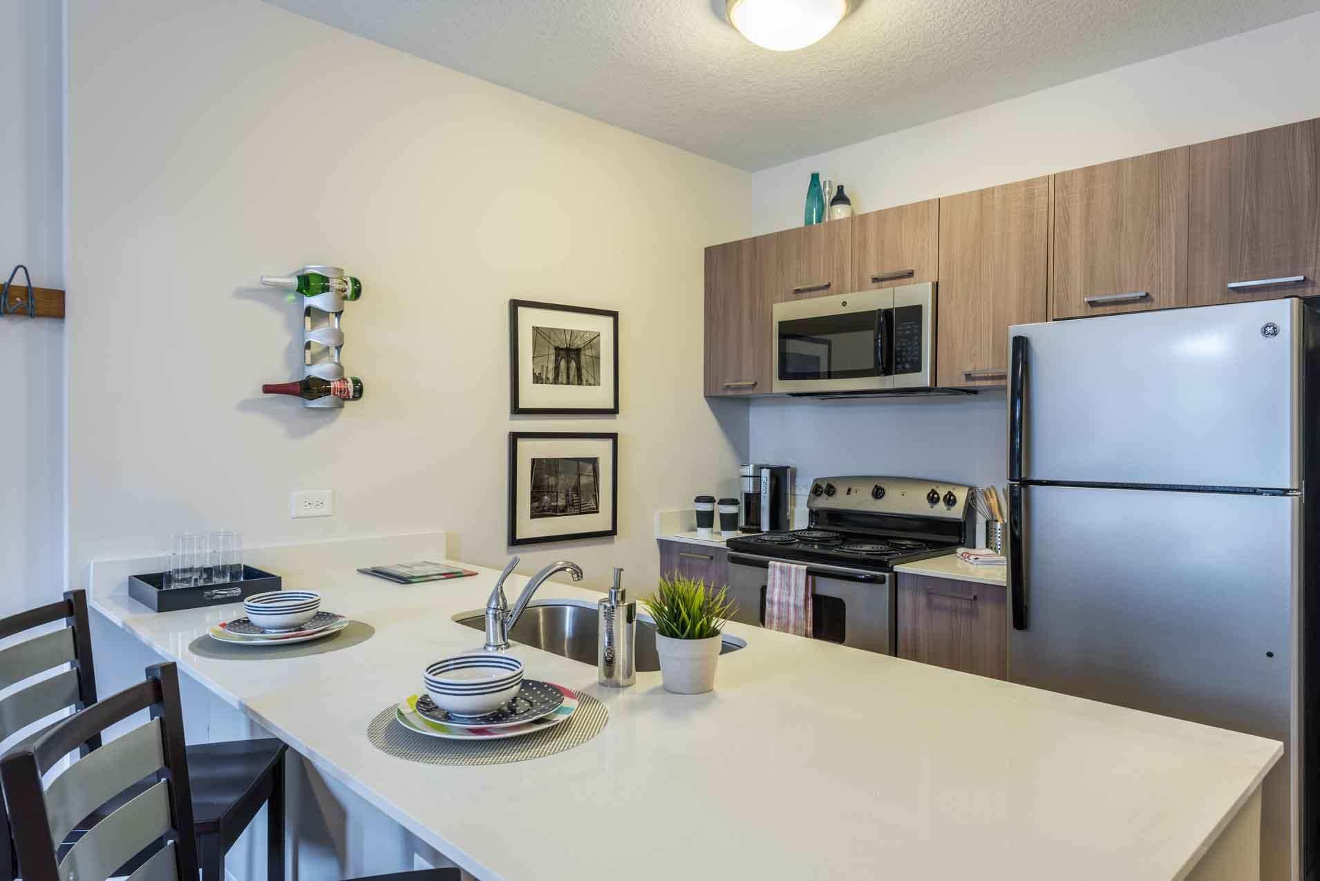 4th-Street-Commons-Miami-Kitchen-Unilodgers