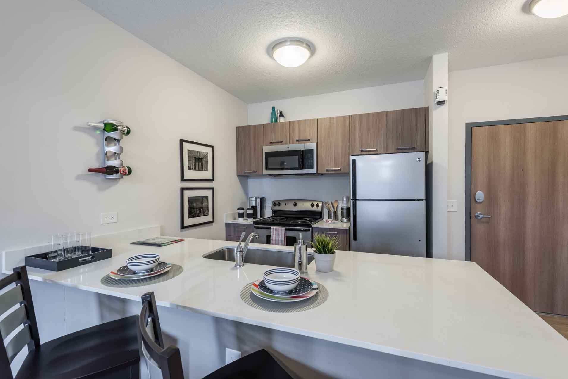 4th-Street-Commons-Miami-Kitchen3-Unilodgers