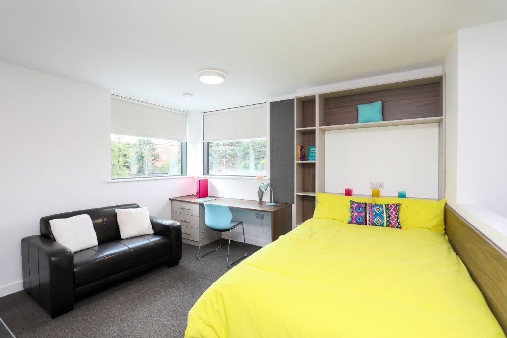 54 George Road-Birmingham-Bedroom1-Unilodgers