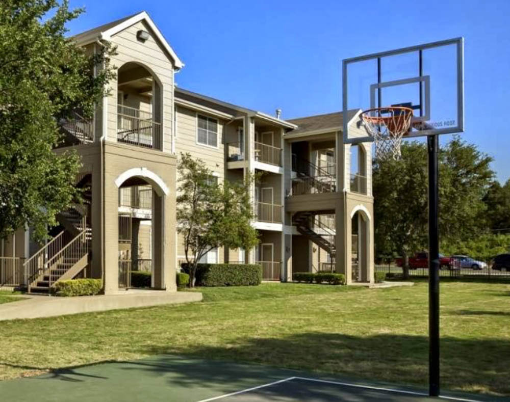 The-Ballpark-South- Austin-TX-Basket-Ball-Court-Unilodgers