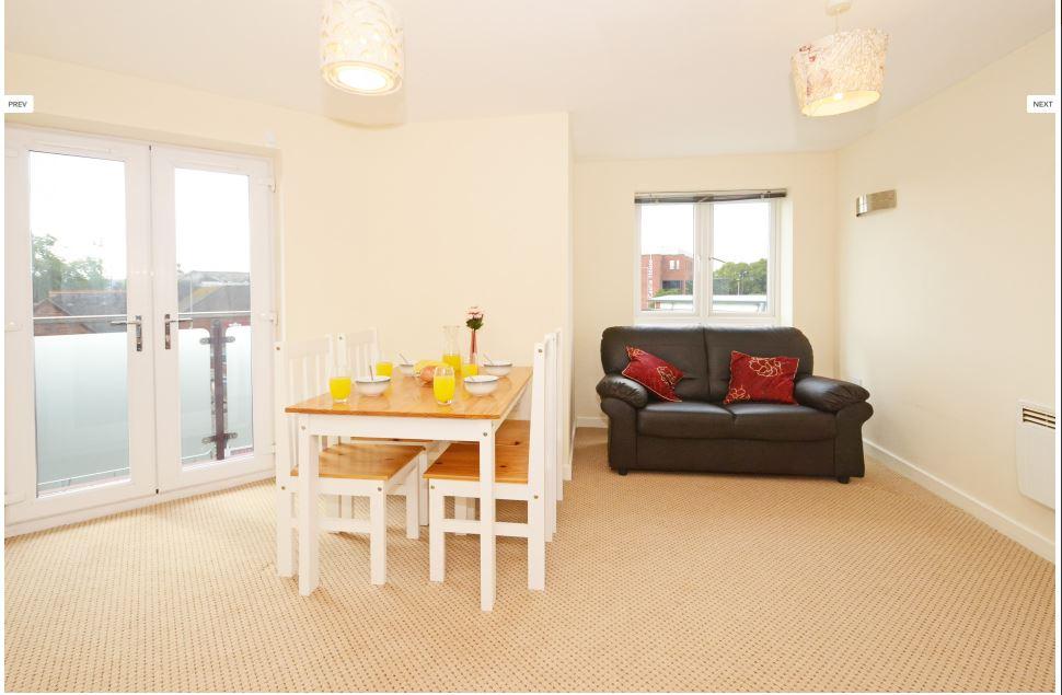 Hassells-Bridge-Apartments-New-castle-under-Lyme-UK-Living-Area-Unilodgers