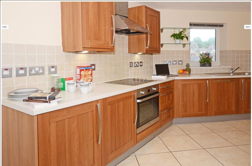 Hassells-Bridge-Apartments-New-castle-under-Lyme-UK-Kitchen-Unilodgers