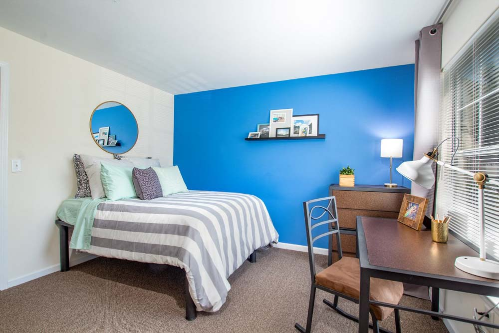 901-Place-Charlotte-NC-Bedroom-2-Unilodgers