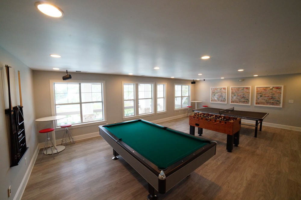 901-Place-Charlotte-NC-Game-Room-Unilodgers