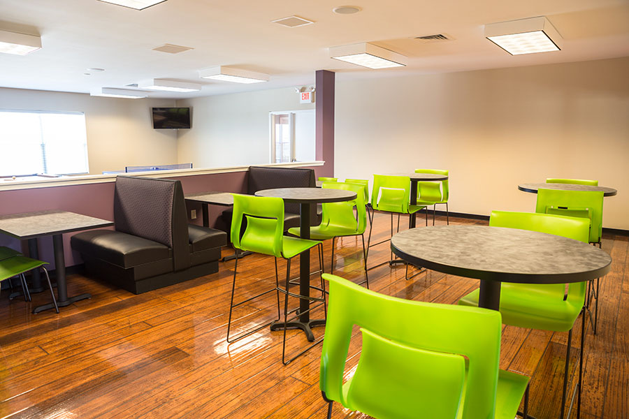 AXIS-Edwardsville-Edwardsville-IL-Common-Room-Unilodgers
