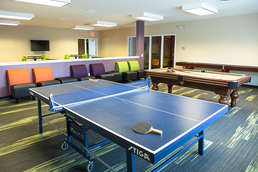 AXIS-Edwardsville-Edwardsville-IL-Games-Room-Unilodgers
