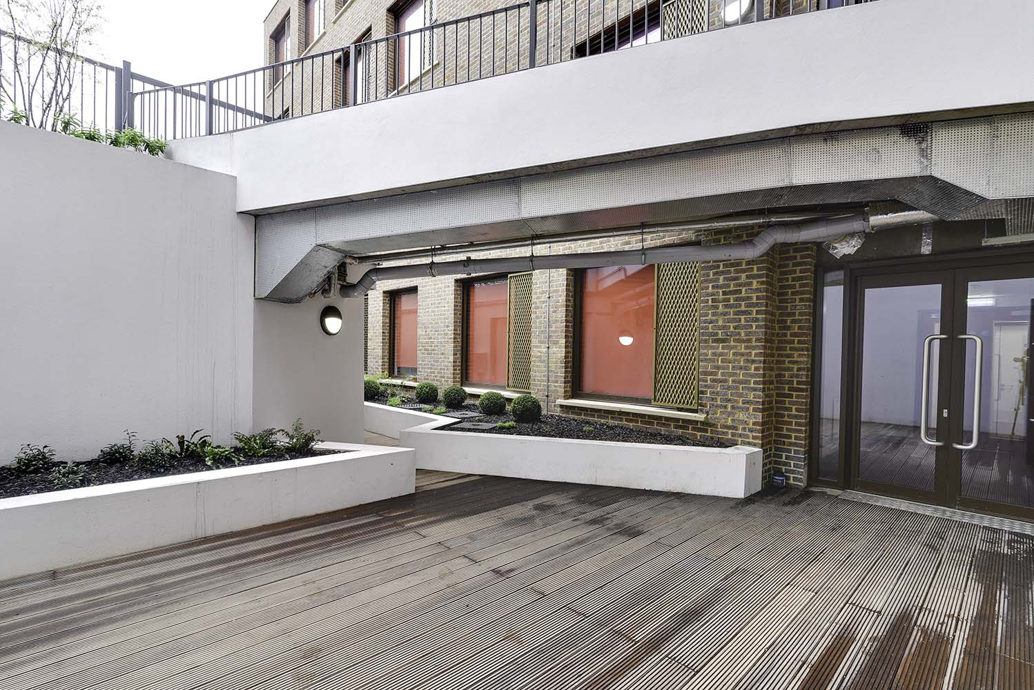 AXO-New-Cross-London-Outdoor-Courtyard-Unilodgers