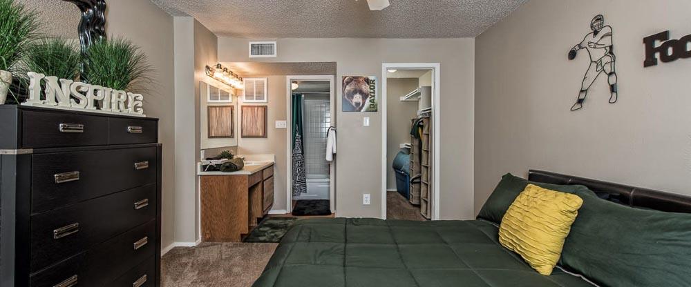 Abbey-Glenn-Apartments-Waco-TX-Bedroom-Unilodgers