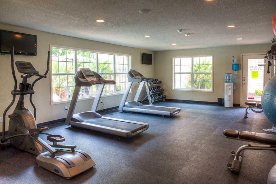 Abbey-Glenn-Apartments-Waco-TX-Fitness-Center-Unilodgers